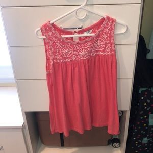 Crown and ivy sleeveless top, like new